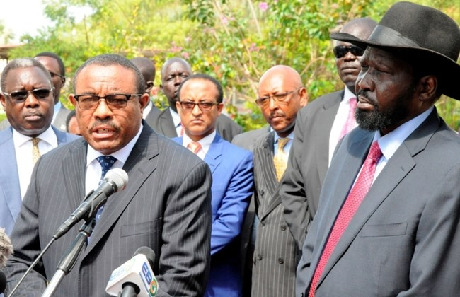 Ethiopian former Prime Minister Hailemariam Desalegn (L) flanked by South Sudan's President Salva Kiir addresses the media during his official visit to South Sudan(Photo: file)