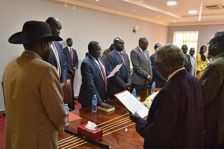 Newly appointed minister and deputy minister taking oath of office before President Salva Kiir (Photo credit: South Sudan Presidency)