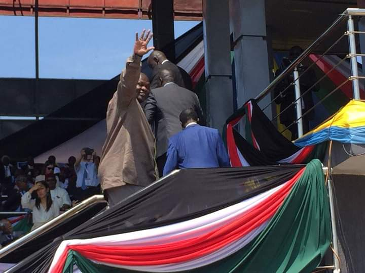 South Sudan First Vice President designate Dr. Riek Machar Teny-Dhurgon waves to South Sudanese as he arrives at the venue of peace celebration in Juba on Wednesday, October 31st 2018 (File/Supplied/Nyamilepedia)