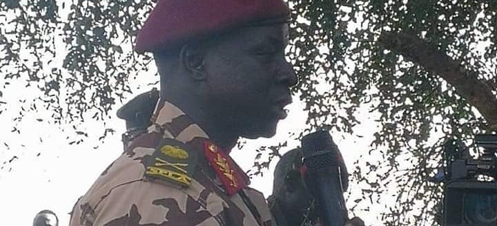 Recently defected General Ochan Puot speaking to SPLA-IO forces in the past...