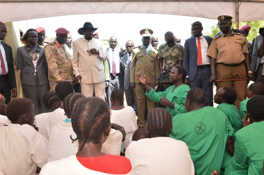 President Kiir visiting women inmates at National Prison in the capital, Juba, on December 24, 2019(Photo credit: SSPPU/Nyamilepedia)