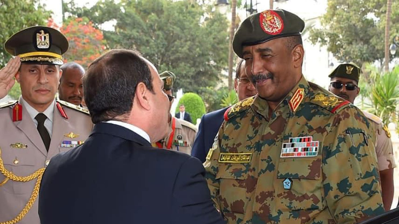 Lt. Gen. Abdel Fattah al-Burhan (R), the head of the Sudanese Transitional Military Council, meets with Egyptian President Abdel Fattah al-Sisi in Cairo, May 25, 2019. Read more: https://www.al-monitor.com/pulse/originals/2019/06/egypt-sudan-military-counci