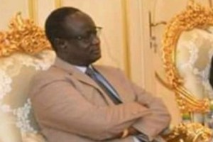 South Sudan National Security chief General Akol Koor meeting SPLM-IO leader Dr. Riek Machar Teny [not seen] in Khartoum in 2019 (Photo credit: SSBC)
