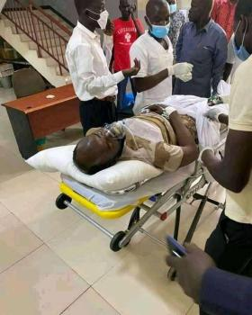 President Kiir nephew, Lt. Col. Lual A. W. Kiir being wheeled into the hospital after a shooting in Sherikat that killed six people and leave 8 others injured(Photo credit: Nyamilepedia)