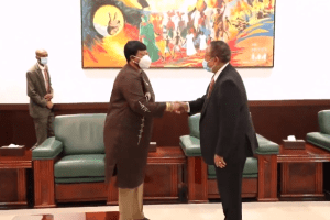 ICC Prosecutor Fatou Bom Bensouda and Sudanese Prime Minister Abdalla Hamdok meeting in Khartoum, Sudan on October 18, 2020(Photo credit: courtesy image/Hamdok twitter handle, customized by Nyamilepedia)