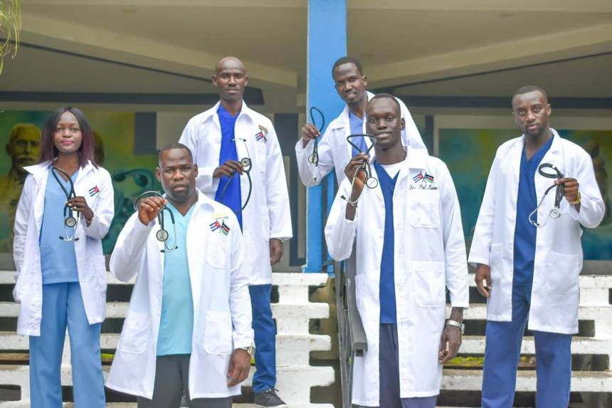 South Sudan medical doctors and students who attened school in Cuba but currently stuck post for a picture while calling for help(Photo credit: courtesy image/Nyamilepedia)