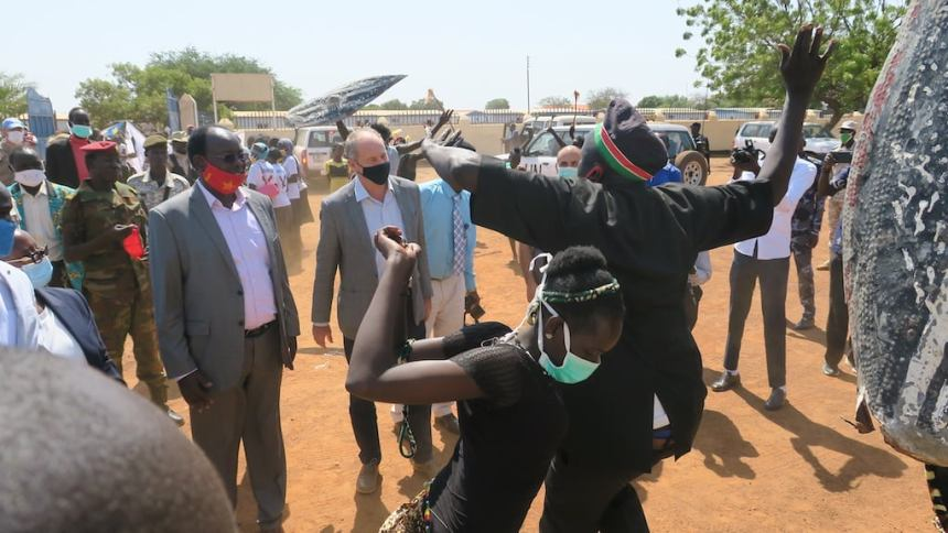 David Shearer, the head of UNMISS receiving in traditional dances during the tour of the three South Sudanese States of Northern Bhar el Ghazal and Warrap(Photo credit: Courtesy image/UNMISS)