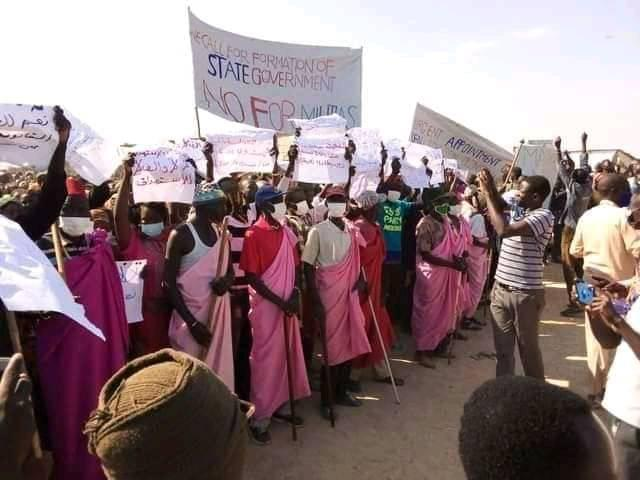 Protesters in South Sudan's Malakal town over the killinf of politicials and generals(Photo credit: Courtesy image/Nyamilepedia)