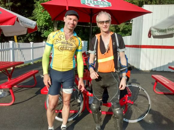 Rob (Vendetta) and Jim (Custom Silvio) during the June 25 Cruzbike ride.