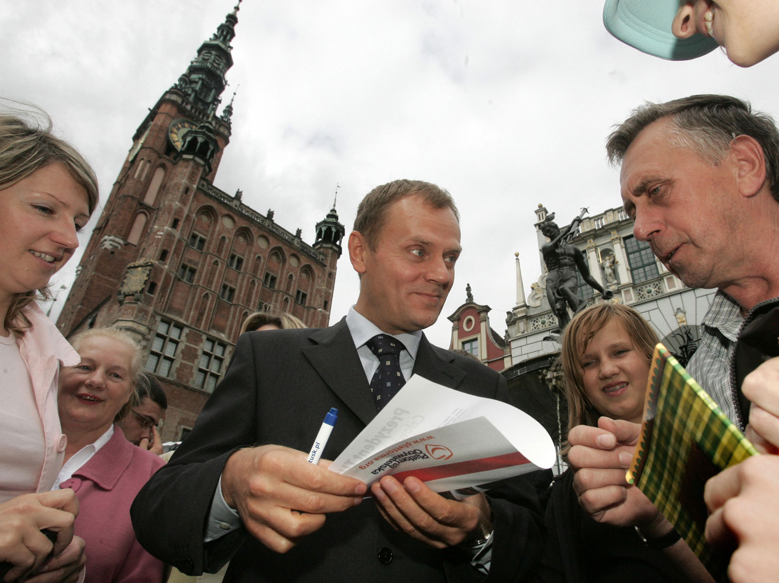 Donald Tusk talks to supporters of the Civic Platform party in the centre of Gdansk, Poland, August 12, 2005