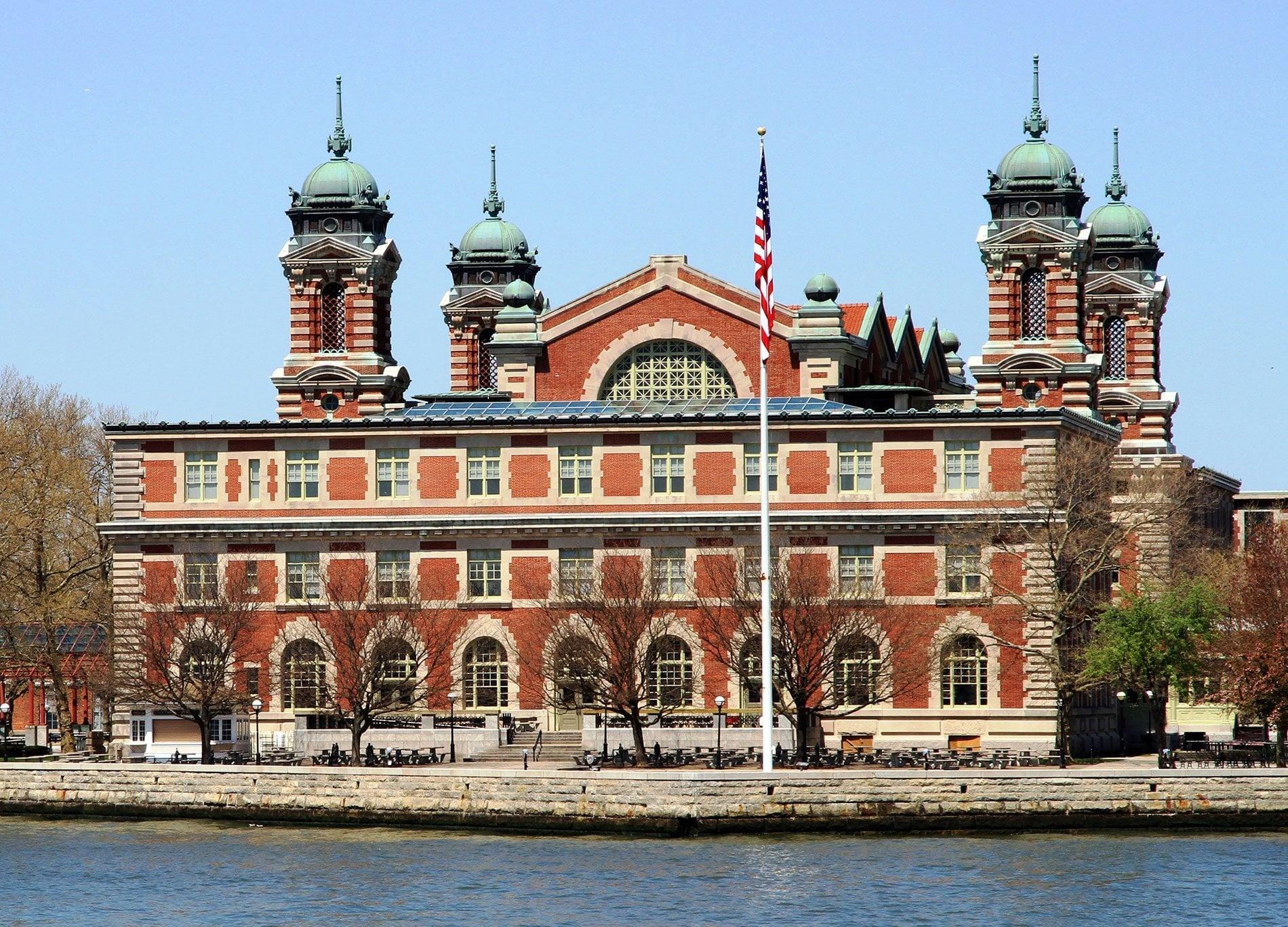 La Baie De New York Et Ellis Island