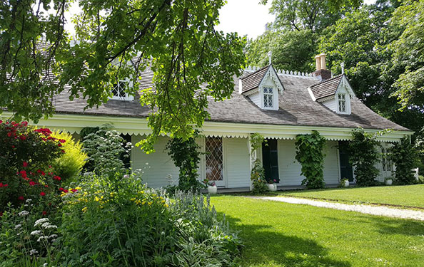exterior of Alice Austen House