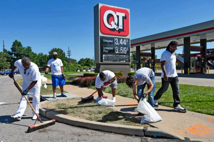 Churches clean-up in Ferguson. Photo: Laurie Skrivan/St Louis Post-Dispatch
