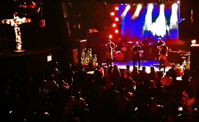 Hillsong NYC prepares for Christmas. Photo: Pauline Dolle/A Journey through NYC religions