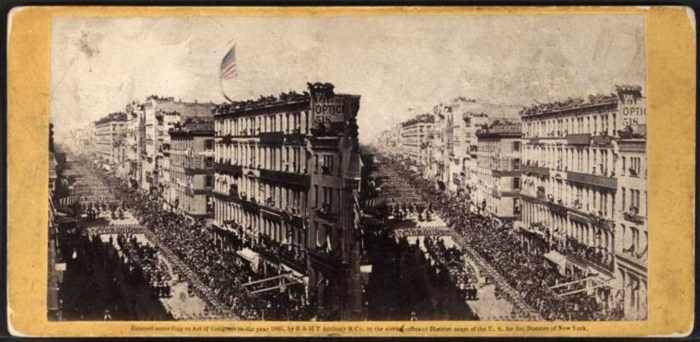 LIncoln's funeral procession in New York City, April 25, 1865. Stereograph by E&H Anthony/New York Public Library Digital Collections.