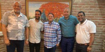 En la foto, de izquierda a derecha, Roberto Fulcar, Lugelín Santos, Francisco Camacho, Héctor Gómez y Fragoso Furcal.