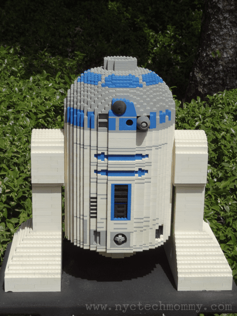 Don't miss this out of this world experience at Star Wars Miniland at Legoland California - Iconic Star Wars movie scenes and favorite characters made out of 1.5 million LEGO bricks built in 1:20 scale - Check out pics and details from our recent trip!