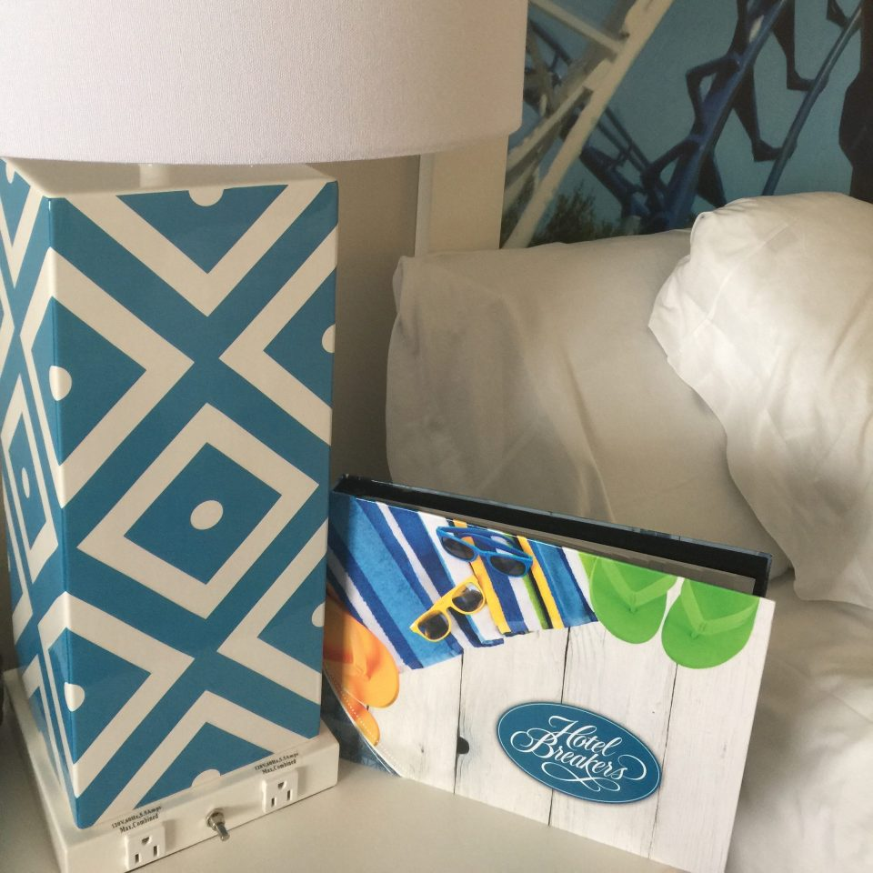 We love it so much I thought I should tell you all the reasons to stay at Hotel Breakers when visiting Cedar Point. It's the perfect family fun destination!