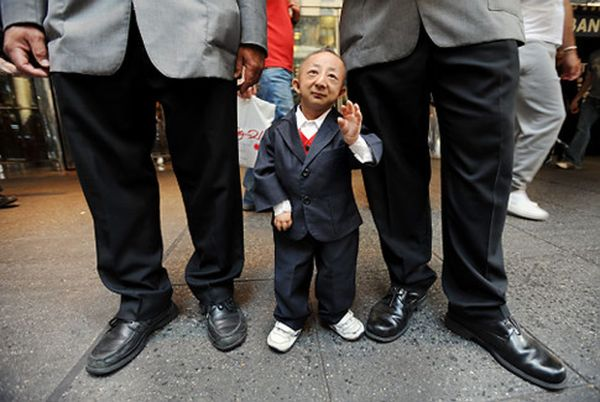 Guiness record-holder as world's shortest man, He Pingping ...
