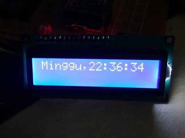 hasil program diatas Wemos D1 mini + LCD NTP Server