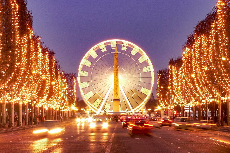 Con immagini di parigi e scritto in francese; La Lista Di Cose Da Fare Assolutamente A Parigi Questo Natale Il Blog Di New York Habitat