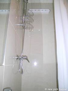 Paris Studio apartment - bathroom (PA-3563) photo 2 of 3