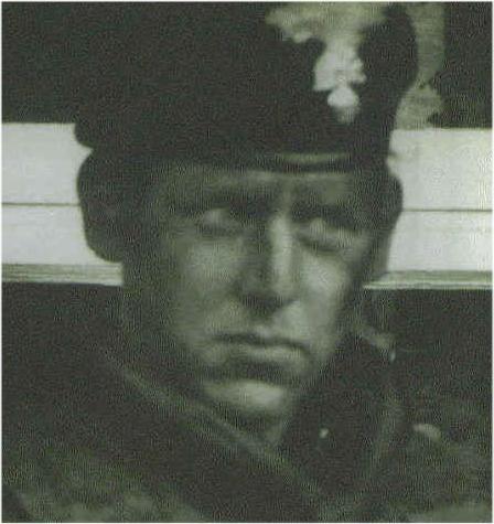 MANNEN SOM DREPTE PALME: Er dette mannen som drepte Olof Palme 28. februar 1986? Mannen er angivelig kaptein Simon Hayward alias kaptein James Rennie, operasjonsoffiser i 14 Intelligence Company South Detachment i Nord-Irland. Han skal ha vært britenes beste hitman. Bildet av ham er å finne på baksiden av boken «The Irish War».