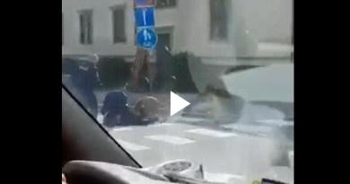 VIDEO: Vaasan puukkomiehen pidätyksestä – Poliisikoira pysäyttää miehen