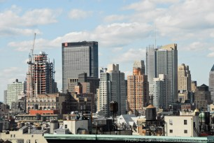 downtown-manhattan-rooftop-skyline-106