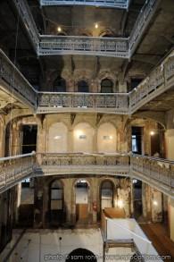 abandoned-atrium-008