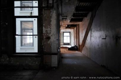 abandoned-atrium-015