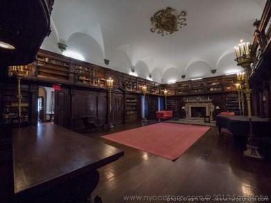 pricvate-library-1-008