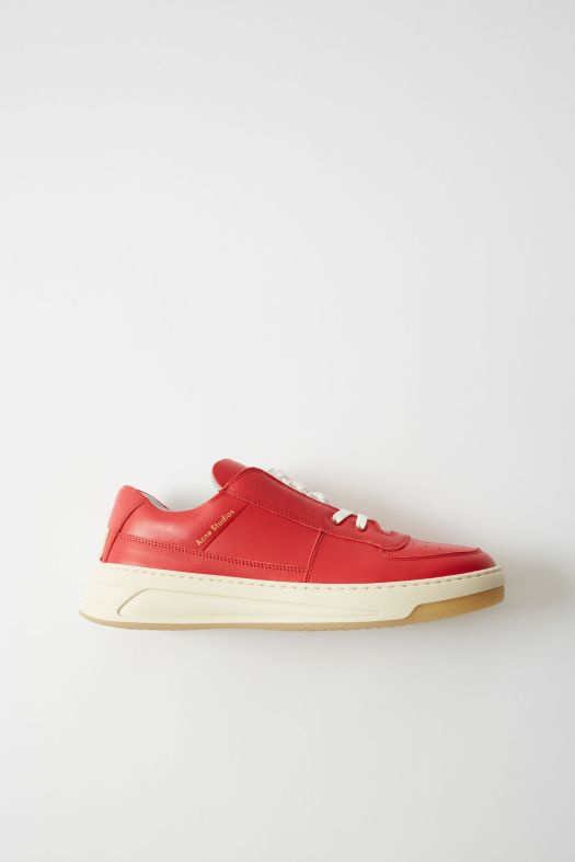 Acne Studios Perey Lace Up in red/white (€320)