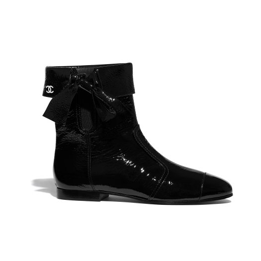 Black boots in crumpled leather