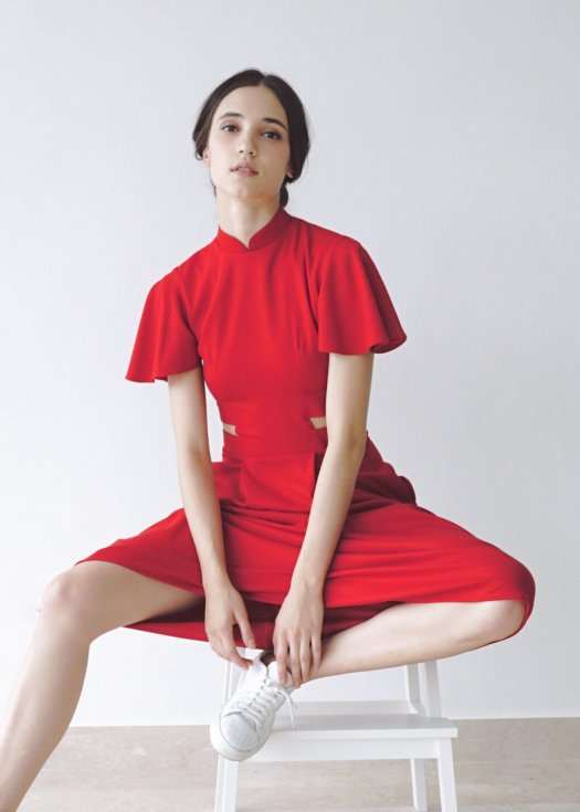 THE MISSING PIECE SIGNATURE WITH SLEEVES - RED, $205