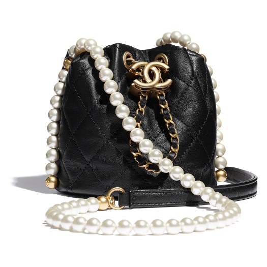 Black bag in leather and beads