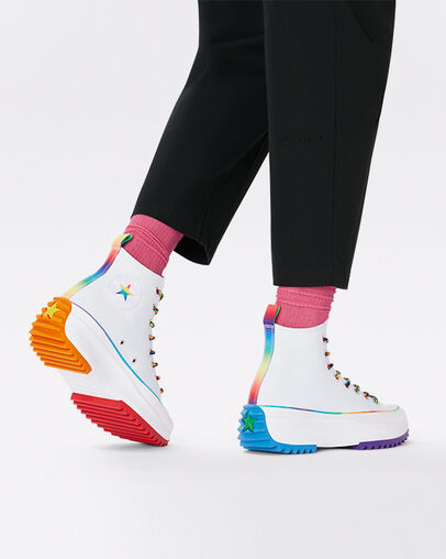 Details: gradient rainbow patch, heel webbing and trim ; rainbow hiker laces ; colourblocked outsole ;