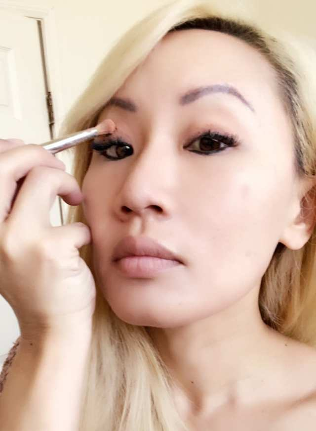 Neutrogena® Healthy Skin® Makeup Natural Makeup Tutorial Eyes
