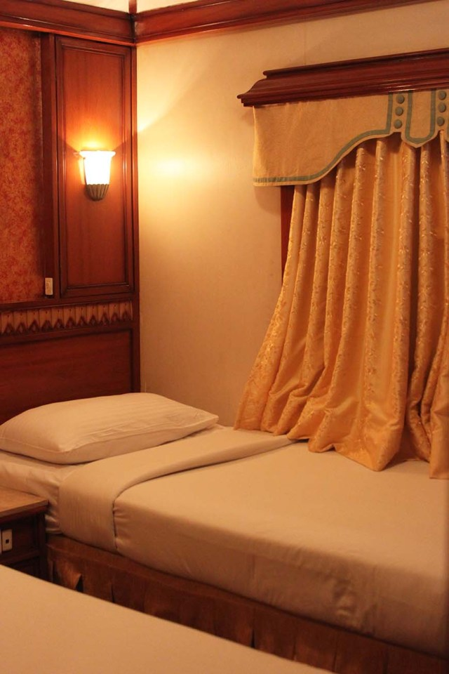 Golden Chariot Amazing Luxury Train Journey in India Bedroom 2