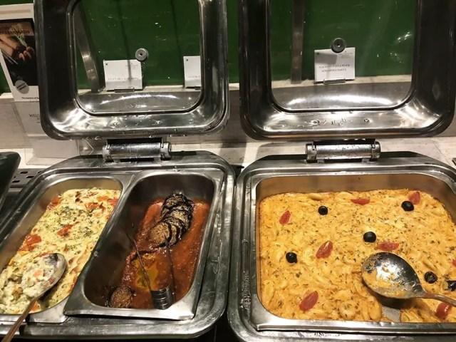 Welcom Hotel ITC Hotel bengaluru - buffet hot dishes