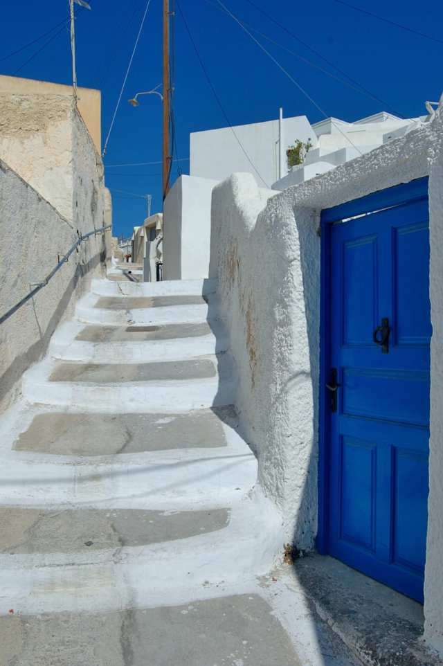 top 10 best things to do in santorini greece Megalohori