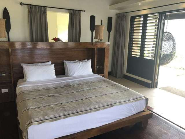 3 BEDROOM LUXURY VILLA IN FIJI WITH PRIVATE POOL - master bedroom