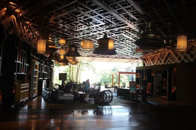 hotel indigo bali seminyak beach - entry