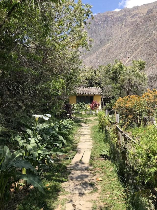 el albergue ollantaytambo - pachamanca grounds 4