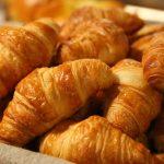 cesta de croissant manolitos