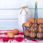 huevos morenos y leche