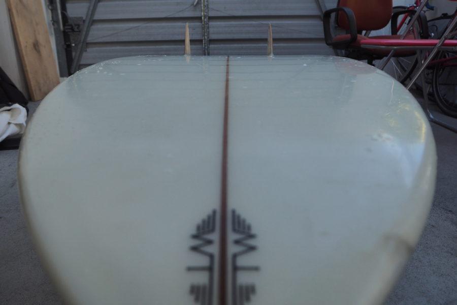 サーフボードの滑走面は『ボトム』