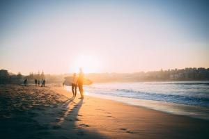サーフィン依存症のパートナーとの関係を良好に保つ方法