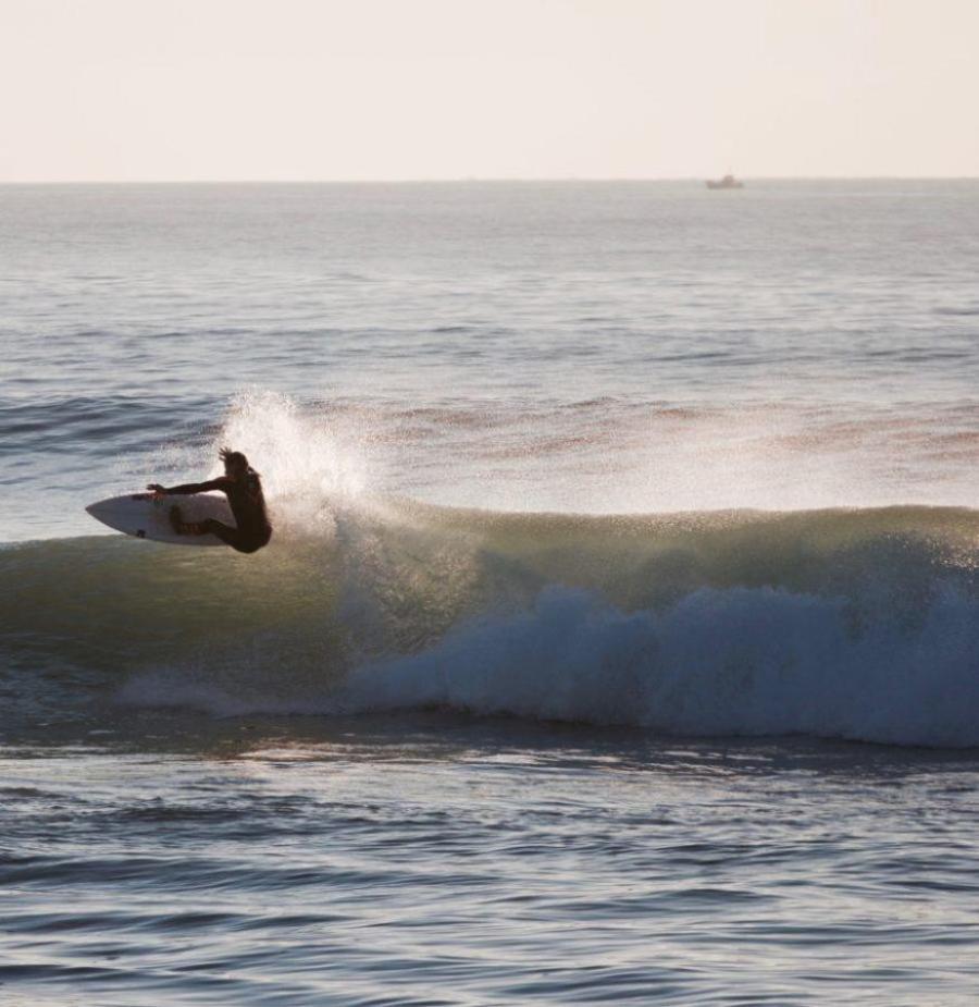 サーフィンをさらに面白くするのがターン