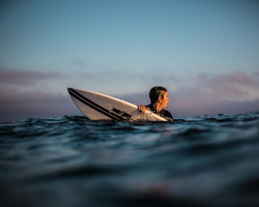 あばらが痛いとサーフィンに集中できなくなってしまう
